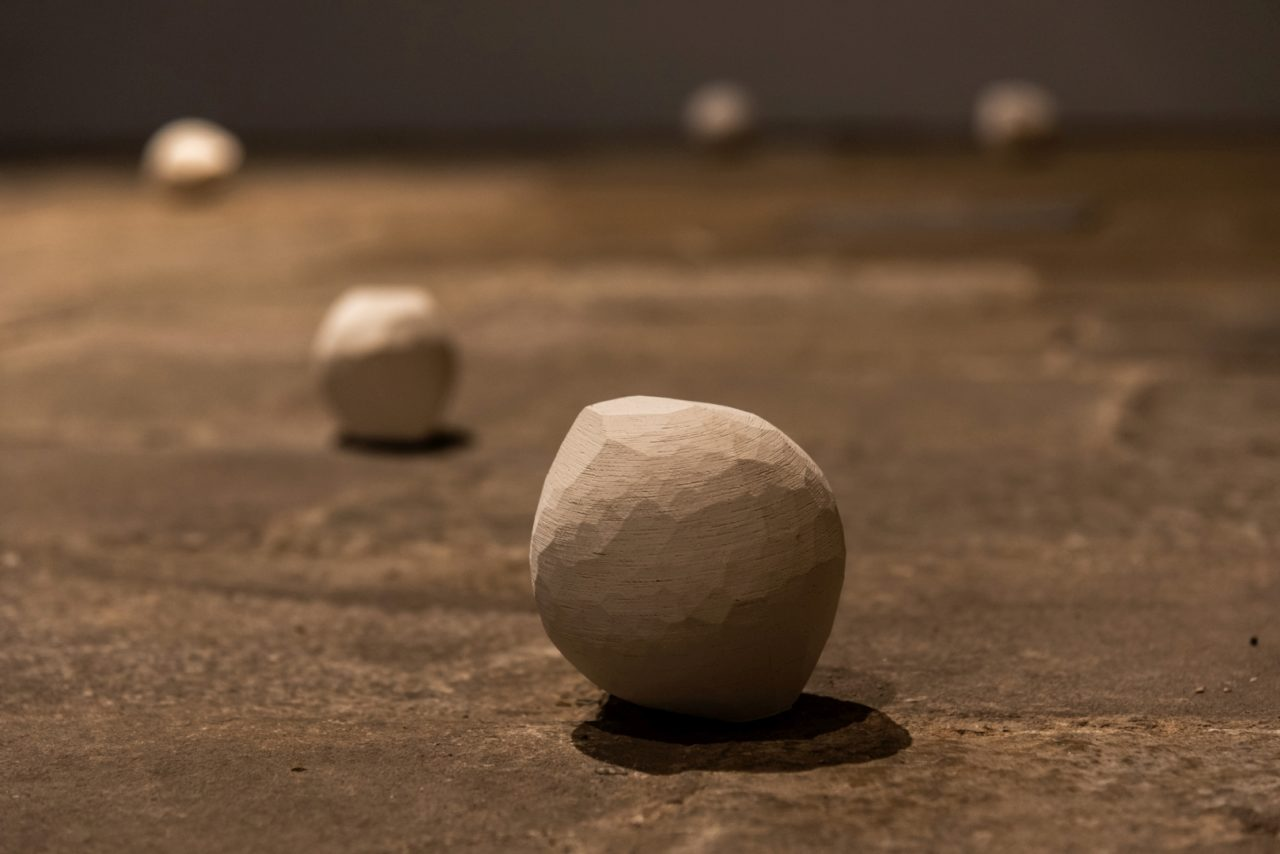 De l'error a la pedra o de la literatura a l'objecte. Performance d'Anna Dot