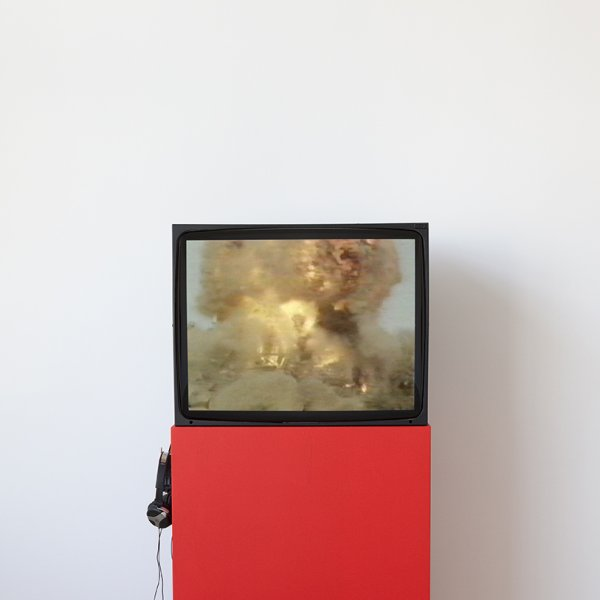 Conversa entre l'artista Tony Cokes i Beatriz Leal Riesco